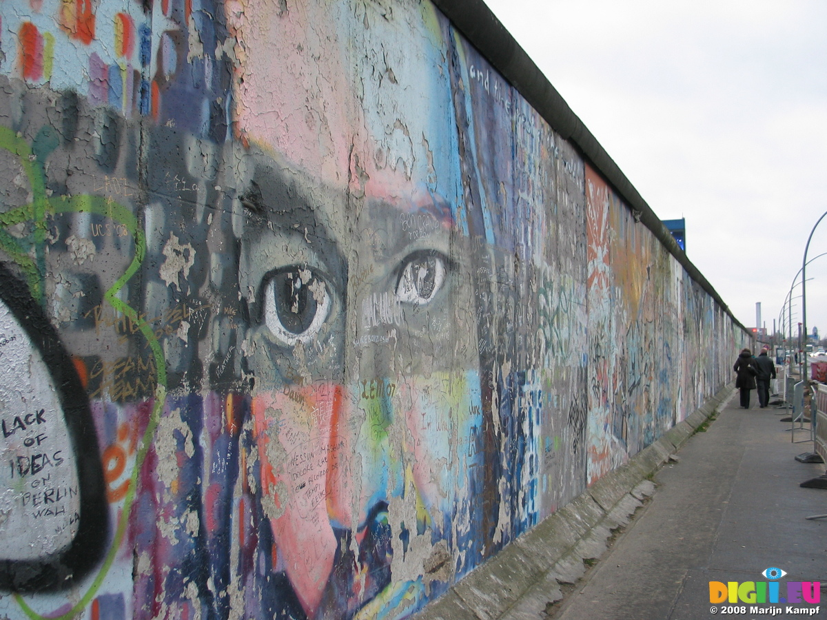 berlin wall graffiti graffiti sample. Black Bedroom Furniture Sets. Home Design Ideas