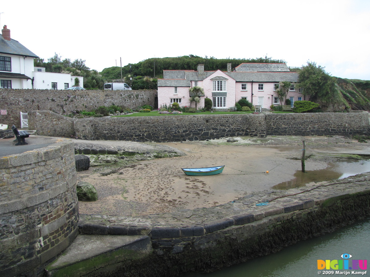 dating in bude cornwall ny Find or offer houses and flats in bude, cornwall discover a property deal right now on gumtree.