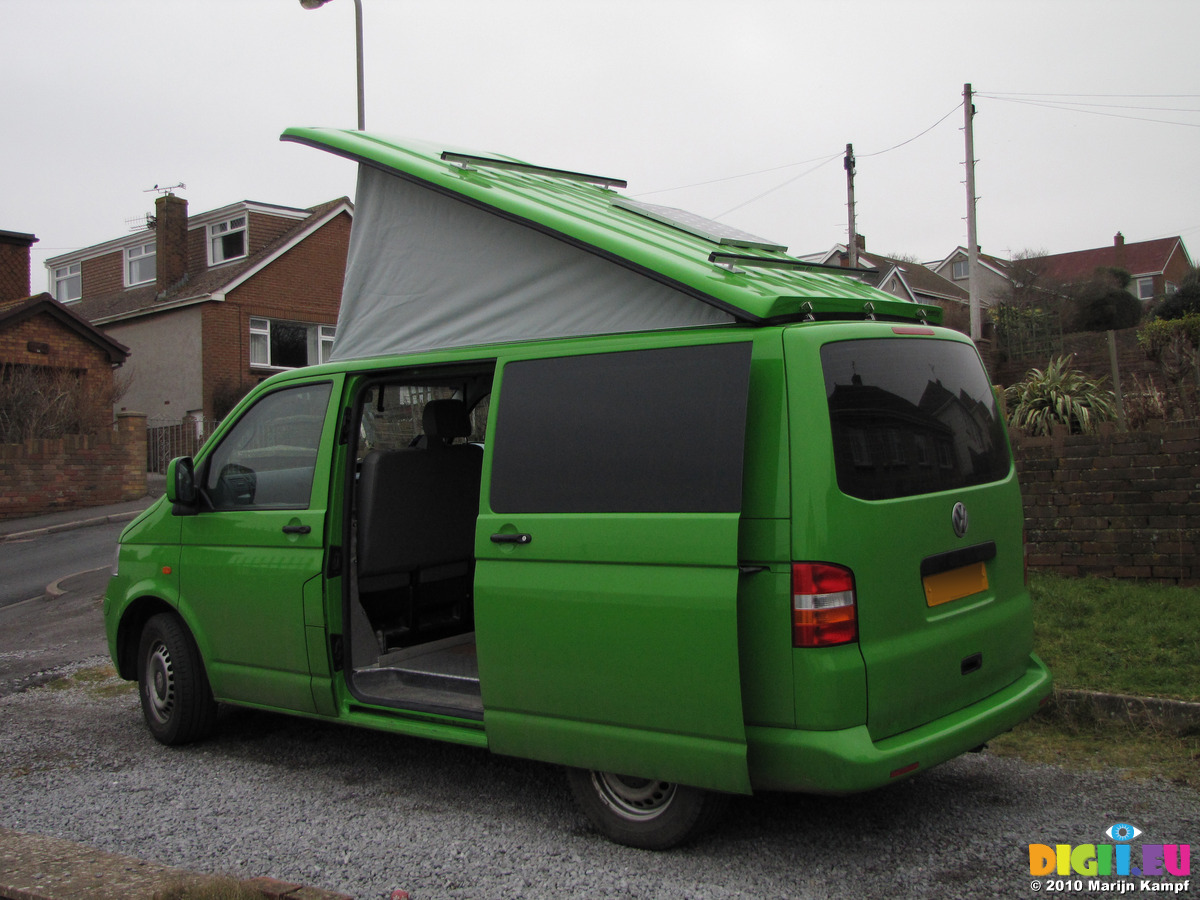 SX12333 VW Campervan With Popup Up