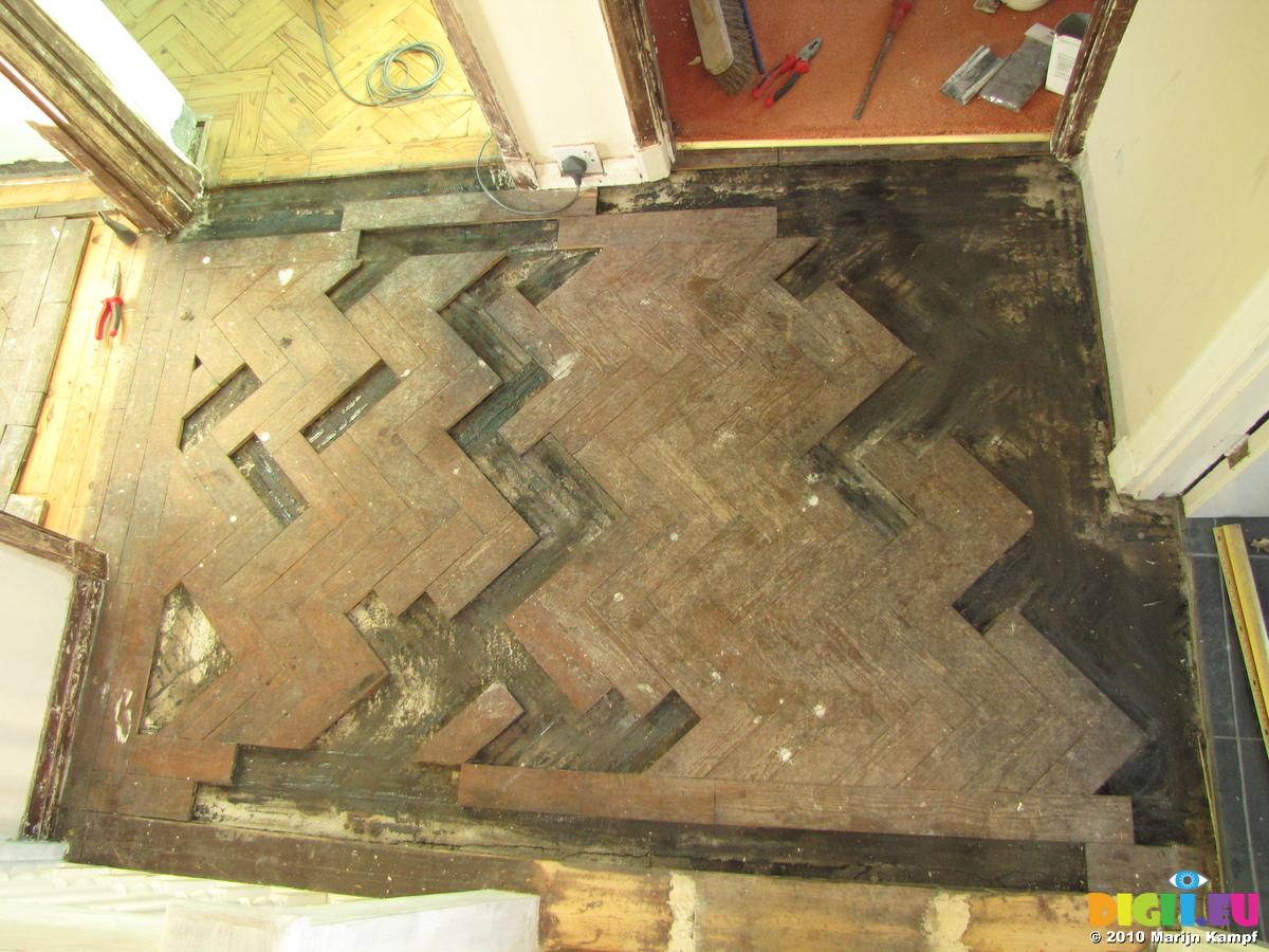 Picture SX17113 Parquet flooring puzzle | 20101216-18 Sanded ...