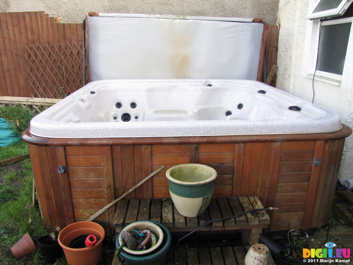 Picture SX21155 Second hand hot tub for sale | 20111124 Used hottub ...