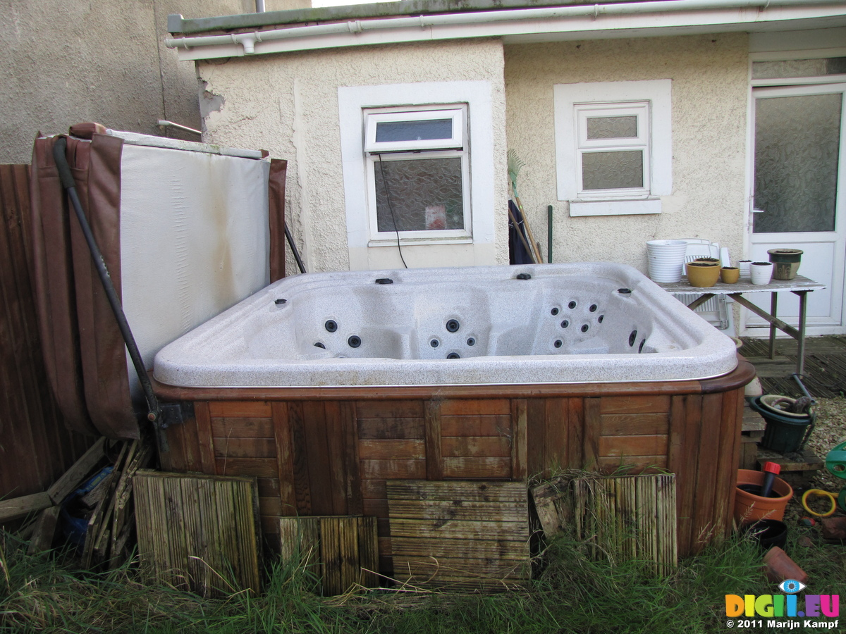 Picture SX21156 Used hot tub for sale | 20111124 Used hottub for ...