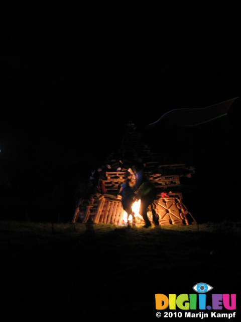 SX16751 Bonfire being lit