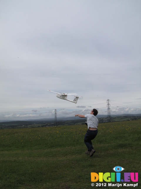 SX22538 RC plane take-off
