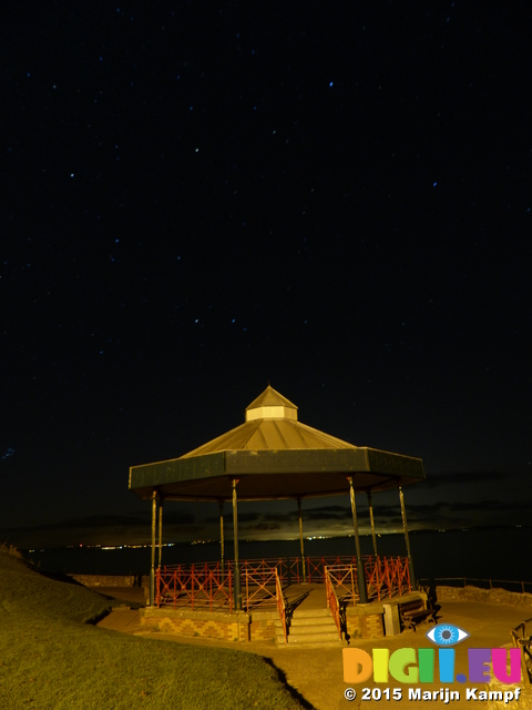 FZ021001 Stars over Tenby band stand