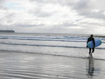 JT00082 Marijn Walking with surfboard.JPG