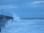 25601 Waves at quay.jpg