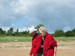 27413 Machteld and Oma at Wood strand.jpg
