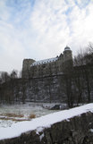 SX02106-02107 Snowy Wewelsburg Castle from bridge over Alme river.jpg