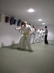 SX02297 Francy and Marijn practising defence against knife.jpg