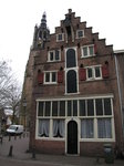 SX02886 Old Merchants house with Onze-Lieve-Vrouwenkerk in background.jpg