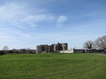 SX03158 East range of Carew castle.jpg