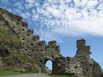 SX07142 Wall onto hill side at Tintagel Castle.jpg