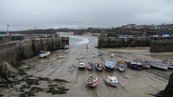 SX08692 Small boats on sand in Newquay harbour.jpg