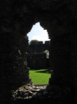 SX09362 Look through window onto courtyard Restormel Castle.jpg