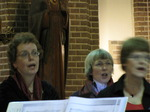 SX11013 Machteld singing in choir.jpg