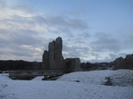 SX12120 Snow at Ogmore Castle.jpg
