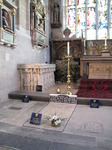 SX12350 Shakespear's grave in Holy Trinity Church, Stratford-upon-Avon.jpg