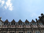 SX14899 Top row of windows in devil's house in Arnhem, The Netherlands.jpg