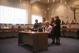 IMG_7171 Witnesses, Jenni and Marijn at gemeentehuis.JPG