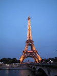 SX18680 Sparkling Eiffel tower at dusk.jpg