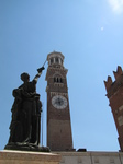 SX19221 Statue and Lamberti Tower, Verona, Italy.jpg