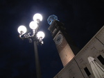 SX19431 Lamppost and Lamberti Tower at night in Verona, Italy.jpg