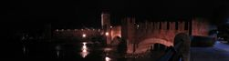 SX19475-79 Ponte de Castelvecchio at night, Verona, Italy.jpg