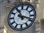 FZ024065 Clock face on Royal Liver Building, Liverpool.jpg
